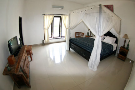 Deluxe-Suite-at-NextLevel-Surfcamp-Bali