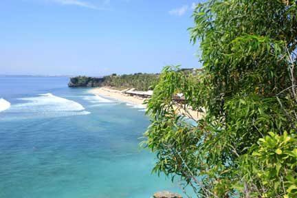 Balangan-Beach-med